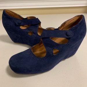 Crown Vintage Hidden Wedge Heels Mary-Jane Pumps